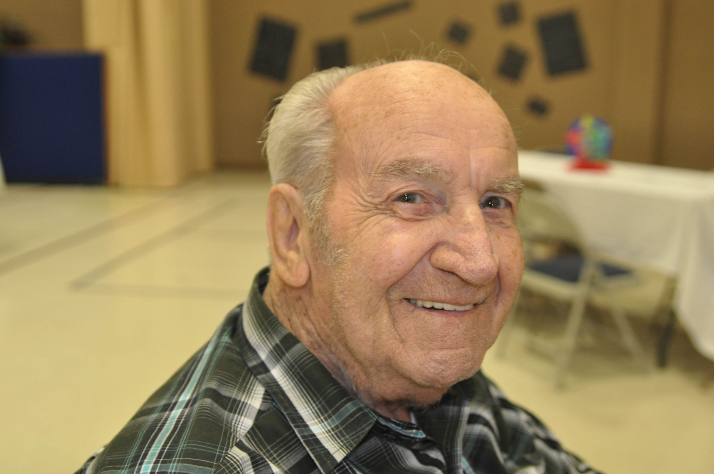 obituaries center broadcasting live local reaching out honorary pallbearers will be jay arnold bobby leonard charlie patton dakota bridge ken cooper and j d weldon